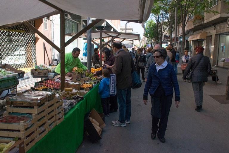 La Fira del Dia de la Terra ha coincidit amb una nova jornada del Mercat Ecològic del Vallès (foto: Localpres)