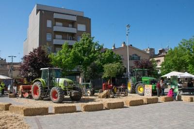 La plaça del Doctor Guardiet ha acollit una mostra de maquinària agrícola (foto: Localpres)