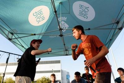 Batalla de rapers durant el Rubí Skate Open (foto: Ajuntament de Rubí – Localpres).