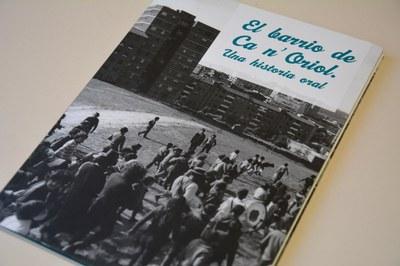El llibre recull testimonis dels habitants de Ca n'Oriol.