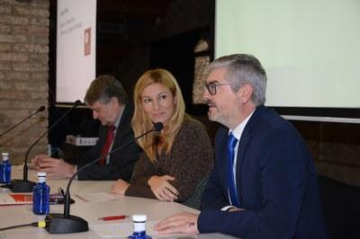 Obertura de la jornada, amb l'alcaldessa i representants de la Cambra de Comerç i del Fòrum Empresarial Cecot Rubí (foto: Localpres).
