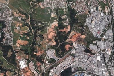 Aquest Pla té l'objectiu de regular l'obertura, explotació i restauració de les activitats extractives i dels dipòsits controlats al sòl no urbanitzable de Rubí.
