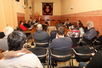 La Mesa de seguiment dels abocadors s'ha reunit aquest dimecres al vespre a la Sala de Plens (foto: Ajuntament – Lali Álvarez).