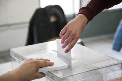 Prop de la meitat dels rubinencs i rubinenques ja han exercit el seu dret a vot (foto: Ajuntament de Rubí – Lali Puig).