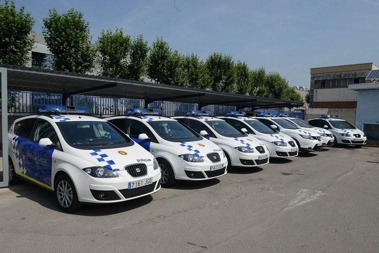 Les noves adquisicions són sis Seat Altea nous i dos Nissan Qashqay, que se sumen als vehicles que ja tenia la Policia Local (foto: Localpres)