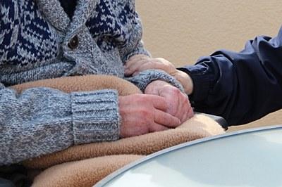Les persones grans són un col·lectiu especialment vulnerable a la Covid-19.