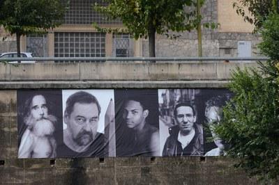 Fotògrafs locals han exposat al mur de la riera (foto: Localpres)