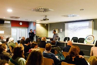 Diversos rubinencs i rubinenques han assistit a la presentació del Pla Local de Residus (foto: Ajuntament – Localpres) .