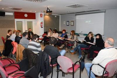 La reunió ha estat presidida per la regidora de l'Àrea de Serveis a les Persones, Marta García (foto: Localpres).