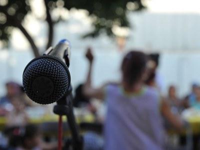 Les entitats solidàries i de cooperació poden fer arribar les seves crides de voluntariat al personal del Punt de Suport (foto: Ajuntament de Rubí – Localpres).