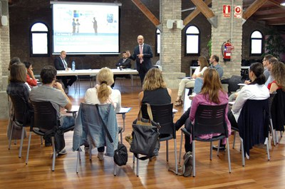 La sessió ha tingut lloc al fòrum de la Masia de Can Serra.
