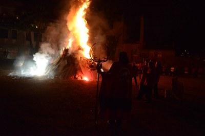 Els focs artificials són un element característic de les revetlles (Foto: Localpres).