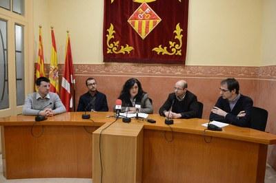D'esquerra a dreta: Aleix Torres, de BJC; Jonás Espinosa, de Deltalab; Carme García, alcaldessa; Carles Bock, d'Apfutura; i Roberto Villafáfila, de CITCEA-UPC (foto: Localpres).