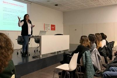 Reunió informativa a la Biblioteca Municipal (foto: Ajuntament de Rubí).