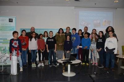 Alumnes del 50/50 amb l'alcaldessa en una imatge d'arxiu (foto: Localpres).