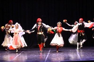 El Ball de Gitanes s'ha dansat al Teatre Municipal La Sala (foto: Ràdio Rubí)