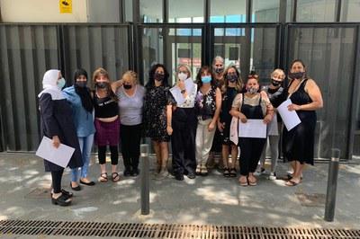 Les dones han rebut el certificat en una trobada que ha comptat amb l'assistència de la regidora Yolanda Ferrer Polo (foto: Ajuntament de Rubí).
