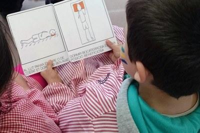 Infants de primària han après aspectes bàsics d'higiene postural.