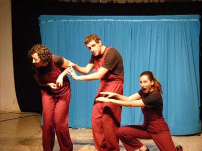 """Una escena de """"Que sí, vida!"""" (foto: Teatracció)."""