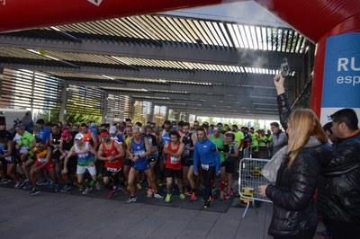 Moment de la sortida de la cursa d'adults (Foto: Localpres).
