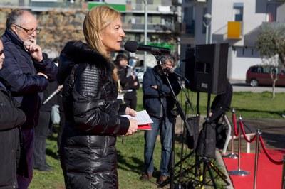 L'alcaldessa, durant el seu discurs a la plaça d'Andalusia (foto: Localpres).