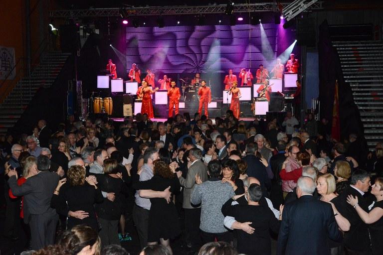 El ball de la Societat s'ha celebrat al pavelló del Regina Carmeli (foto: Localpres)