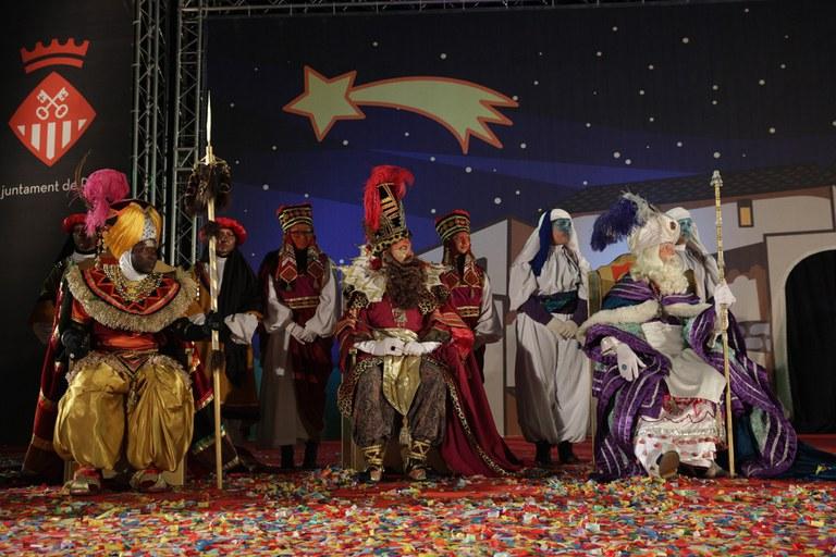 Els tres Reis, ja presents a l'escenari (foto: Localpres)