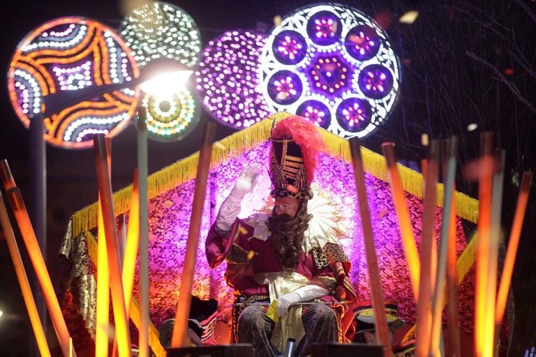 Gaspar, amb la seva carrossa plena de color (foto: Localpres)