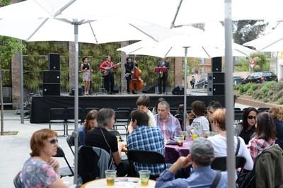 La plaça del Celler Cooperatiu acollirà el Vermut Musical aquest diumenge (foto: Localpres).