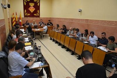 La sessió plenària ha marcat la represa de l'activitat política després de les vacances (foto: Ajuntament de Rubí).