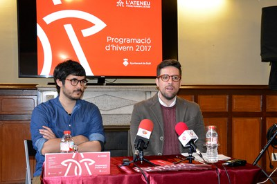 El regidor de Cultura, Moisés Rodríguez, amb el tècnic responsable de l'Ateneu, Xavi Gómez.