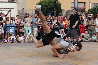 El break dance és una de les activitats de més tradició a la Torre Bassas (foto: Localpres).