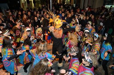"""La comparsa de l'escola de ball 8 Temps """"El Rey León"""" va ser la guanyadora del concurs de Carnaval de l'any passat (foto: Localpres)."""