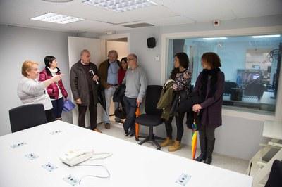 Prèviament, Buscallà i els membres del Consell van visitar les instal·lacions de Ràdio Rubí (foto: Localpres)