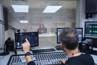 Les instal·lacions de l'emissora s'han adaptat a la situació de pandèmia (foto: Ajuntament de Rubí).