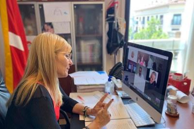 L'alcaldessa, durant la roda de premsa virtual (foto: Ajuntament de Rubí).
