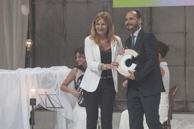 L'alcaldessa ha lliurat el Premi Nacional de Cultura a Antoni Gálvez, coordinador general adjunt del SCIC (foto: Localpres).