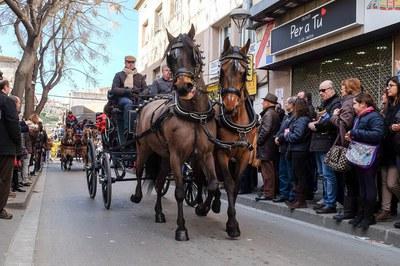 Els cavalls són protagonistes de la rua dels Tres Tombs (foto: Localpres).