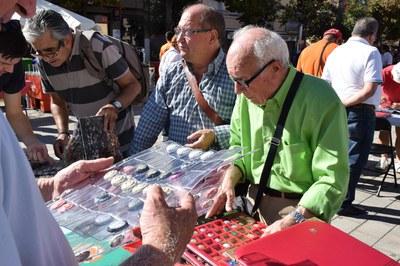 Els col·leccionistes de plaques de cava tornaran a aplegar-se coincidint amb la Fira de Sant Galderic (foto: Localpres).