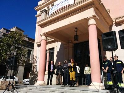 Representants dels sis grups municipals del Consistori han llegit el text elaborat per aquestes mateixes formacions.