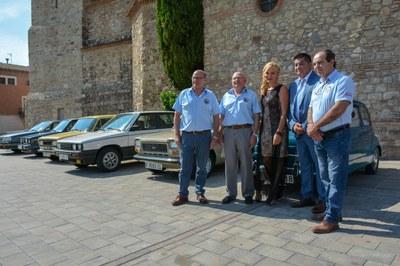 L'alcaldessa va inaugurar l'exposició a la plaça Doctor Guardiet (foto: Localpres).