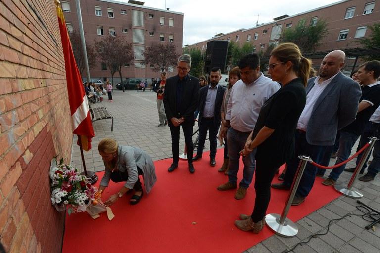 Ofrenda floral institucional (foto: Localpres)