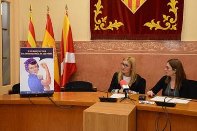 L'alcaldessa i la regidora, durant la presentació dels actes (foto: Localpres).