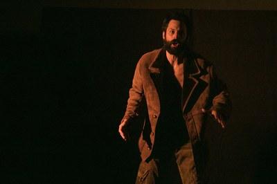 Els assistents han pogut gaudir de l'obra 'El Rey del Gurugú', protagonitzada per l'actor David Martínez (foto: Ajuntament – Lali Puig)
