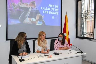 L'alcaldessa i les regidores, durant la presentació del Mes de la Salut de les Dones (foto: Ajuntament de Rubí - Localpres).
