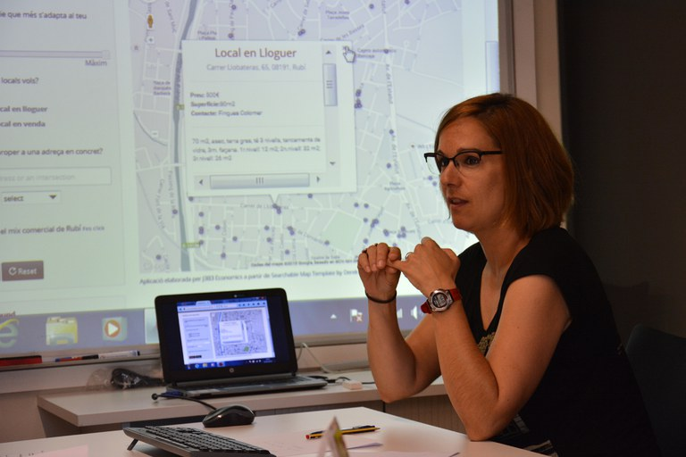 Durant la roda de premsa de presentació del cens s'ha mostrat el funcionament de la cerca de locals