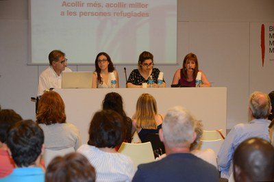 Els tres ponents, acompanyats de la regidora Marta García (foto: Localpres).