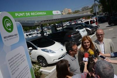 La fotolinera de Rubí Forma disposa d'un punt de càrrega ràpida que permet omplir el 80% de la bateria del cotxe en 30 minuts (foto: Localpres).