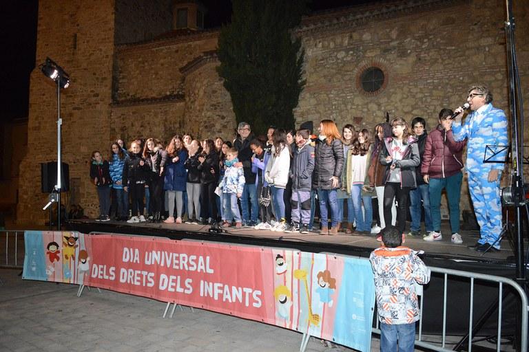 Les corals externes de l'Escola Municipal de Música Pere Burés han ofert una cantada (foto: Localpres)