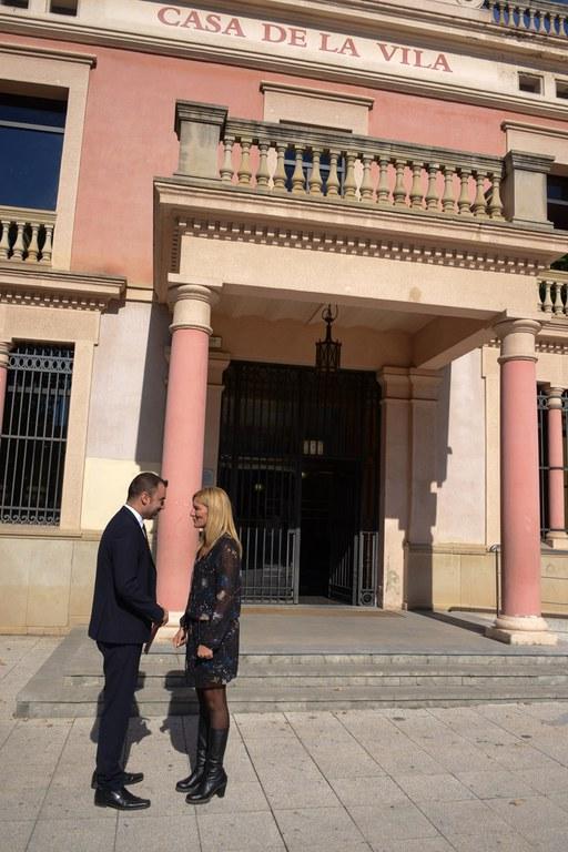 Jordi Ballart i Ana María Martínez, a les portes de l'Ajuntament (foto: Localpres)